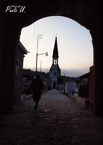 camino a la iglesia