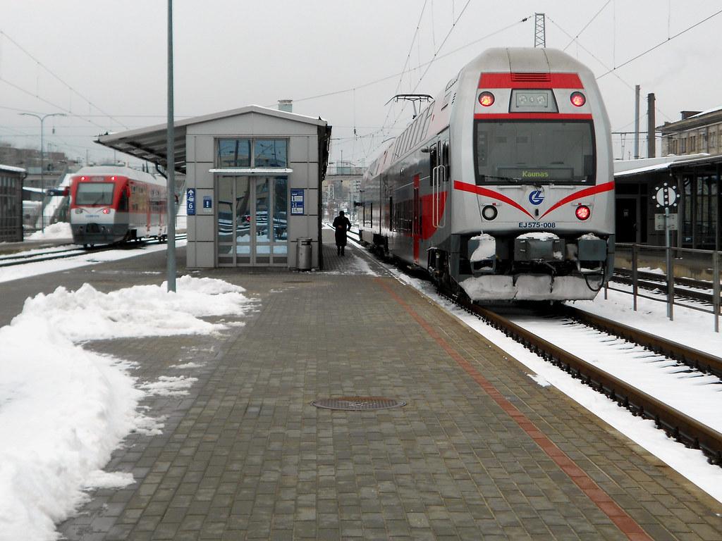 EJ575-008