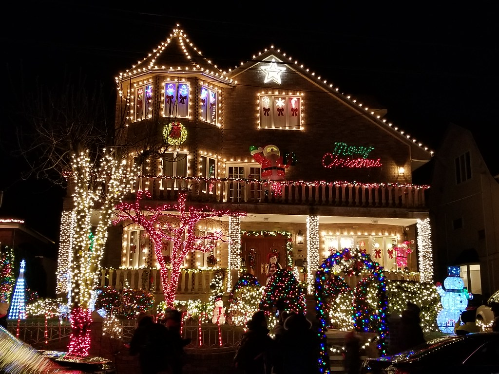 Dyker Heights Christmas Lights.Dyker Heights Christmas Lights Nyc Planet Q Flickr