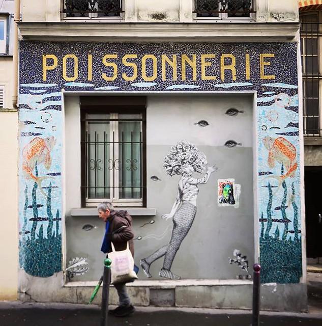 Welcome to my #underwaterworld ... #fridayfishday / #wheatpasteart by #13bis. . #paris #streetartparis #parisstreetart #streetart #graffiti #urbanart #graffitiart #streetartfrance #msaparis #theparisguru #urbanart_daily #graffitiart_daily #streetarteveryw