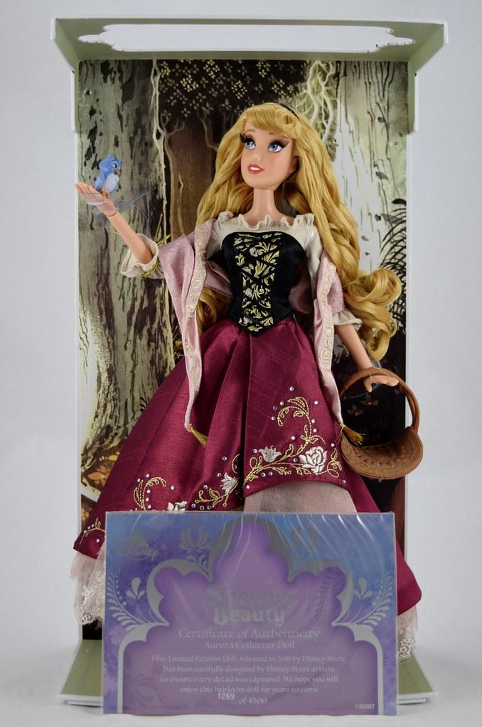 "Disney Princess Limited Edition Collector Sleeping Beauty Aurora Doll 17/"" Blue"