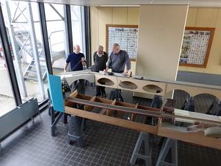 Proefopstelling modulebaan - beginnen leggen van de laatste bocht | by AMSAC Ghent