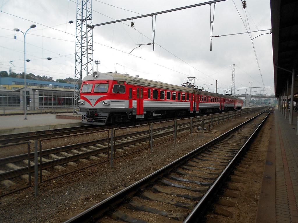 ЭР9М-381