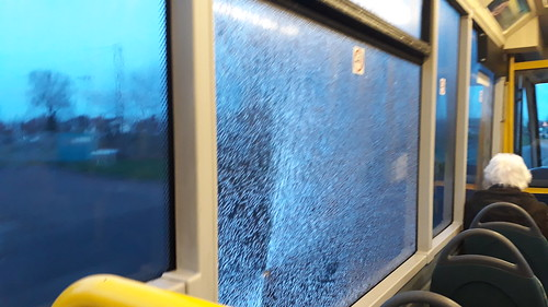 Broken window on arria north east 2802 | by Cameron's bus photos