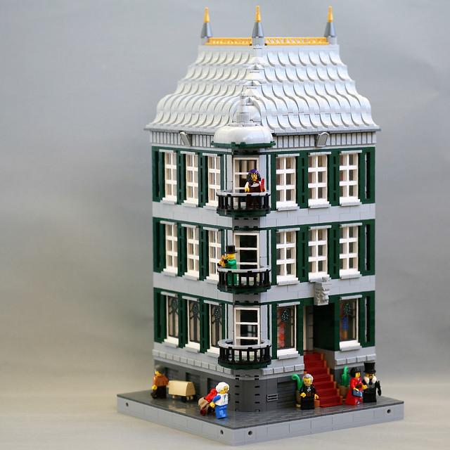 [MOC] High Society Corner Building