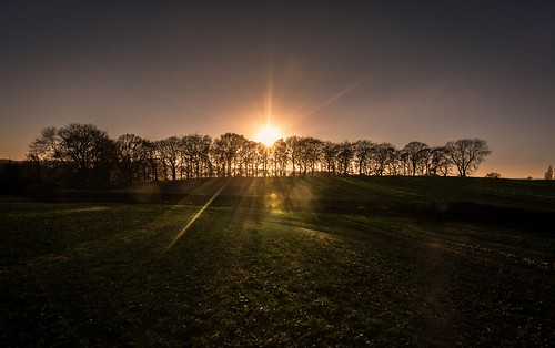 nikon d7200 tokina1120mmatx tokina countryside scenicsnotjustlandscapes sunset sunstar sunburst sunshine mossvalley wideangle ultrawide sheffield mosborough ridgeway