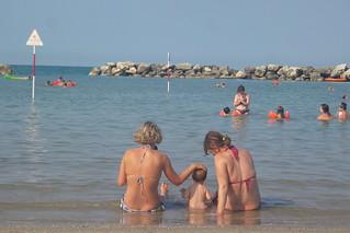 Sull'onda del mare e del relax | by Ylbert Durishti