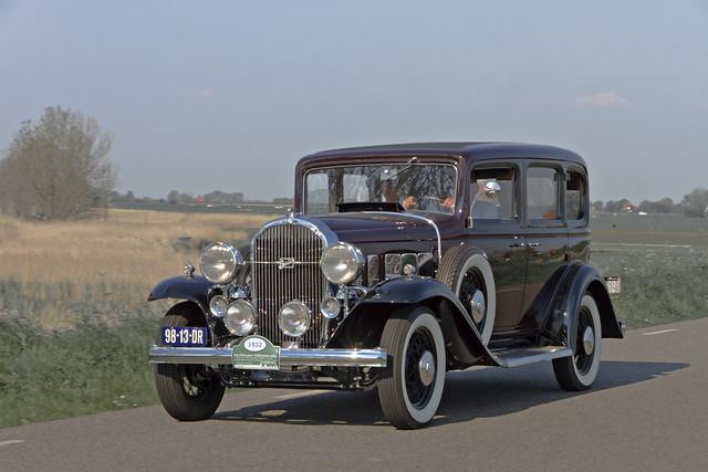 Buick 32-50 4-door Sedan 1932 (0338)