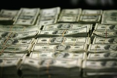 Forex Signals - Dollar trims losses after upbeat U.S. claims