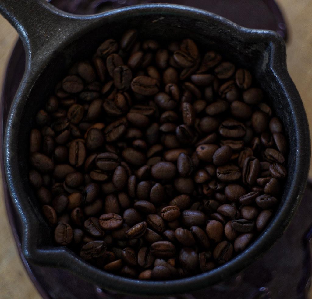 pot o' beans (coffee beans)