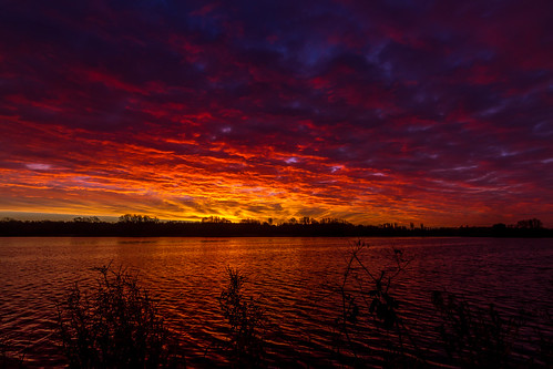 craigavon lakes sunrise water cloud red sky morning dawn colour