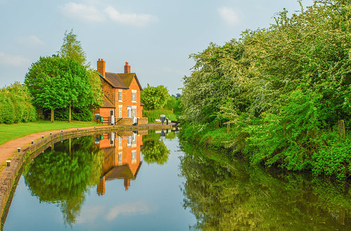 bratchlocks lock bratch wombourne worcestershirestaffordshirecanal canal waterways water reflections wall brick reeds green trees outdoor landscape spring 2016 uk england ornate nikon d7100 tamron2470f28vc serene peaceful