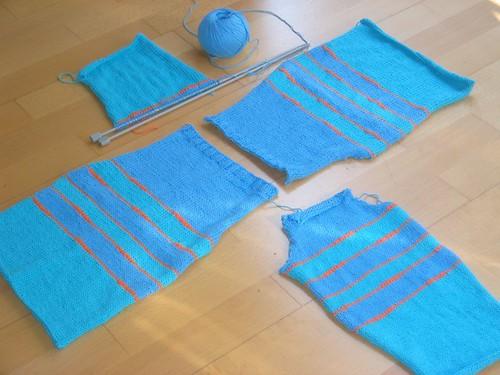 A punt d'acabar el jersei d'en Jan