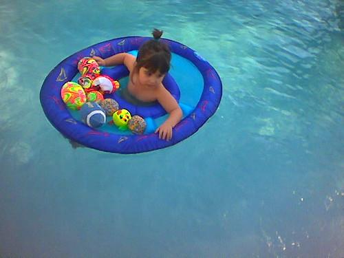 arrivée dans la piscine!