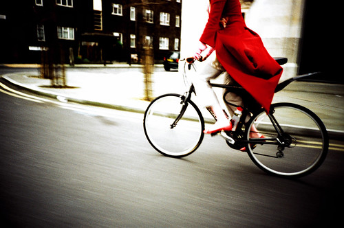 Imogen Heap Cycling though London | by lomokev