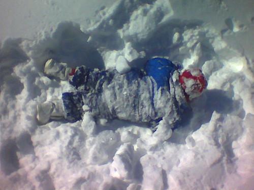 am�©lie mange de la neige