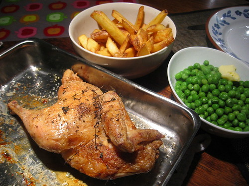 Roasted 1/2 chicken, fries & green peas