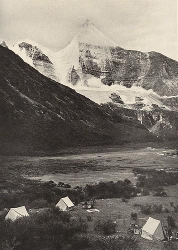 Jambeyang Rock