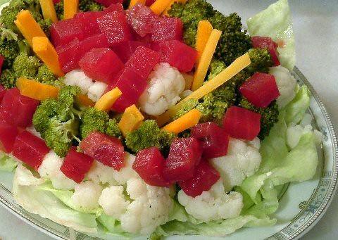 4 renkli salata