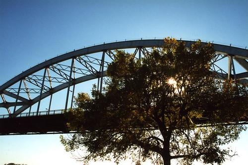 travel bridge sunset water river mississippi photo illinois arch photos bridges iowa mississippiriver davenport span quadcities rockisland bridging centennialbridge 200010 bridgepixing bridgepix bridgeblog