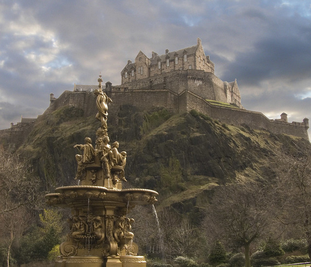 Ross Fountain & Edinburgh Castle