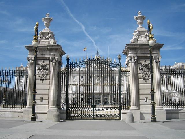 Palacio Real through the gate