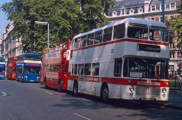 2273 Alder Valley Bristol at Victoria