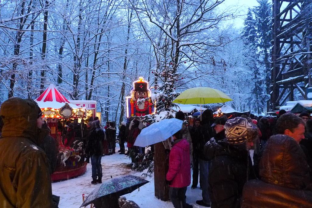 Goetheturm Frankfurt Weihnachtsmarkt.Weihnachtsmarkt Goetheturm 1060633 Weihnachtsmarkt Am Goet