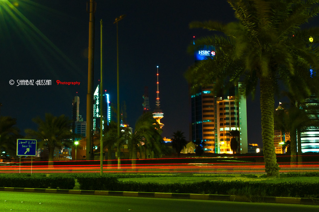 Kuwait City view from Alsoor Street Red Light Trails | Flickr