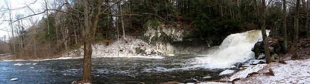 Wadsworth Falls iced - panorama