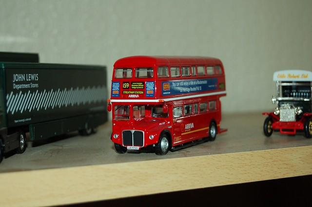 EFE RML 2572 Arriva Routemaster route 159