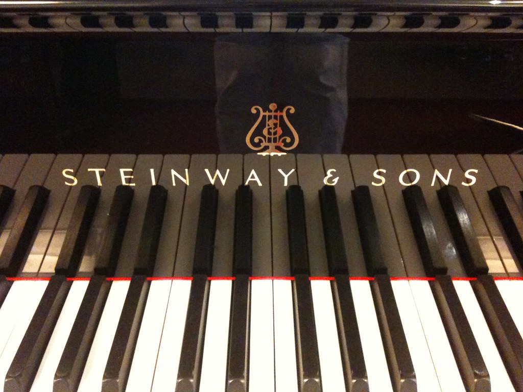 Steinway Sons Grand Piano For Sale At Pianos Van De Wink