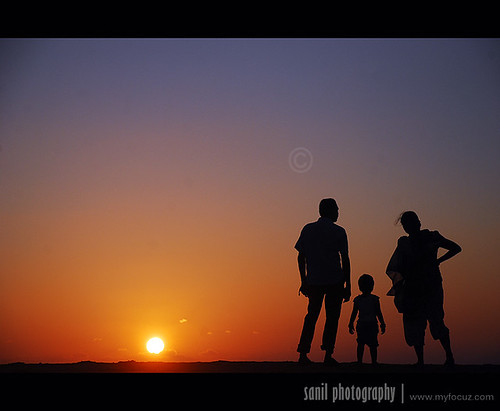 family sunset sun india man nature evening kid women child father small mother kerala familyphoto trivandrum happyfamily velli silhoute fatherandmother sanil anawesomeshot myfocuz sanilphotography linsaworld simplefamily