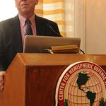 Mon, 12/13/2010 - 17:18 - Gen. John Thompson, Dean of Students and Administration, giving opening remarks  General John Thompson, Decano de Estudiantes y Administración, dando algunas palabras de apertura
