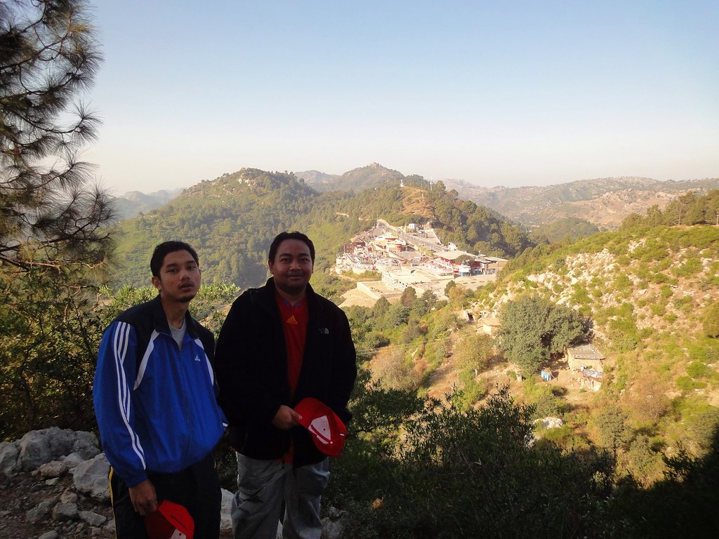 Pir Sohawa Peak & Rangers Check Point | Hiking at Margalla Hills up to Pir Sohawa | Islamabad, Punjab Province, Pakistan | 28 11 2010