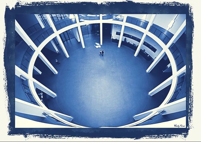 Rotunde in der Pinakothek der Moderne - Monochrome