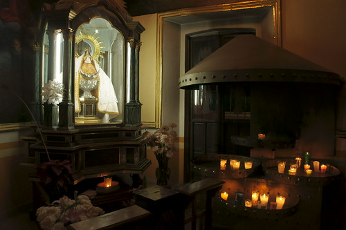 Altar a la Virgen de los Remedios