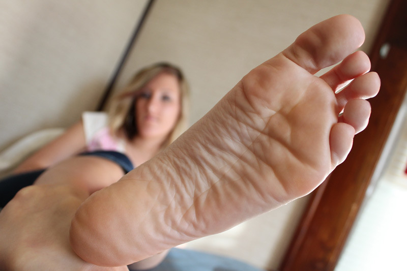 christine theiss feet