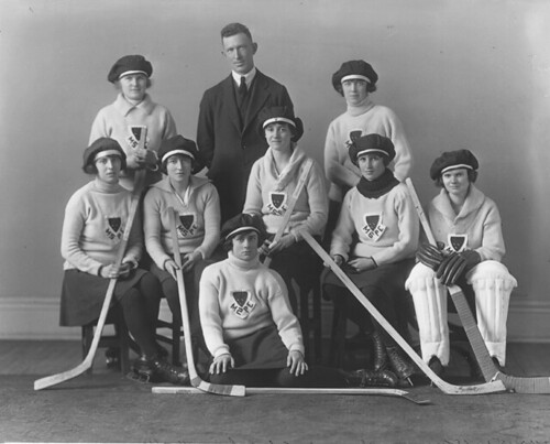Physical Education Hockey group, Montreal, QC, 1921 | by Musée McCord Museum