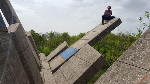 knin spomenik monument croatia dalmatia partisan abandoned destroyed