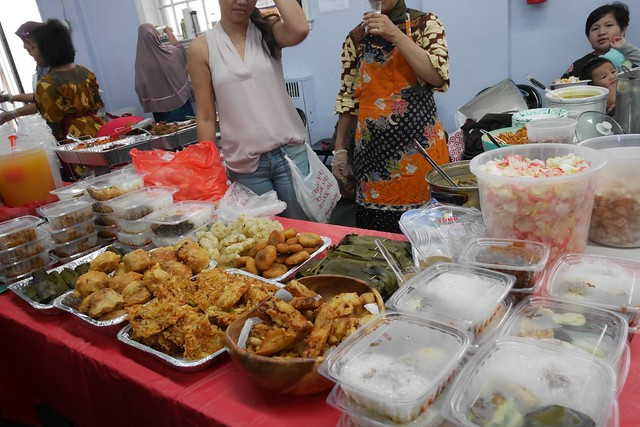 土, 2016-09-24 12:16 - Indonesia Food Bazaar, Elmhurst
