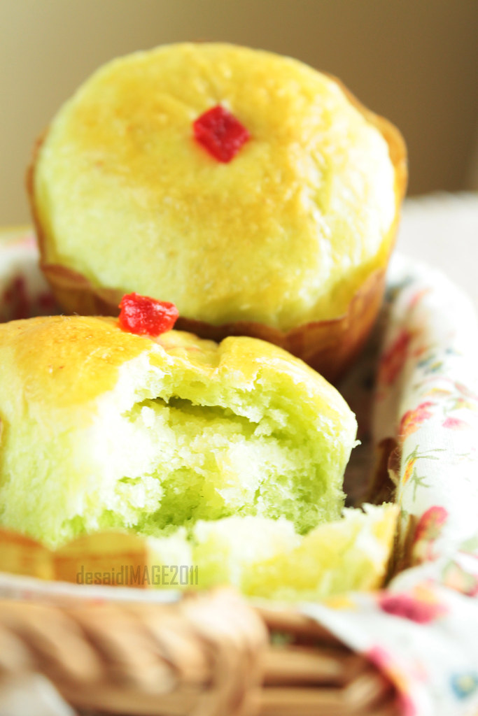 Roti Pandan Isi Kelapa Pandan Soft Bread With Coconut Fil Flickr