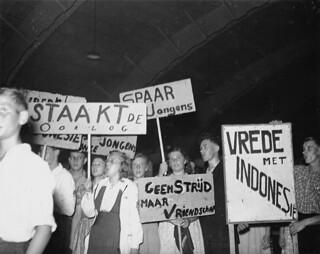 07-22-1947_02218 CPN protest