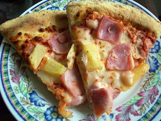 Project 365 Day 35: Cold pizza | by Peter O'Connor aka anemoneprojectors
