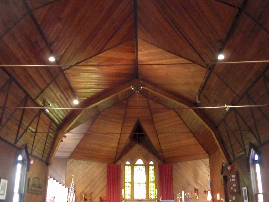 Scissor Truss Vaulted Ceiling - Narrow wood strips are fro… | Flickr
