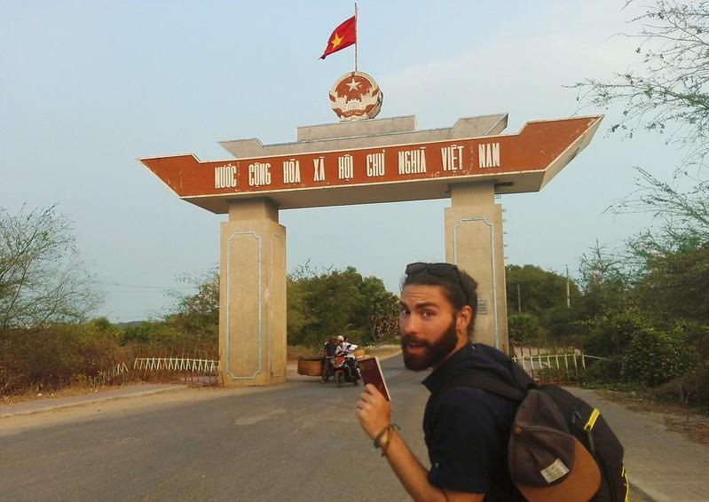 Mario_border_vietnam