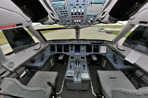 Sukhoi SuperJet 100 Cockpit