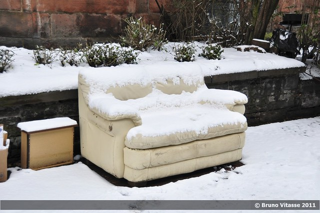 Glasgow neighbourhoods #01 (sofa and snow)