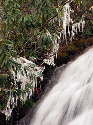 waterfall northcarolina cascades icicle blueridgeparkway westernnorthcarolina southernappalachians ccbyncsa canonpowershotsx10is ebjeffresspark