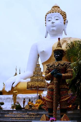 20101219_4559 Wat Prathat Doi Kam,  วัดพระธาตุดอยคำ | by ol'pete